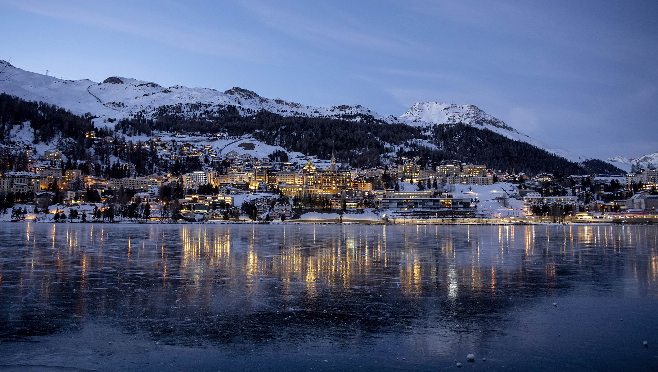 saintmoritz-lake-vista-night-city-switzerland